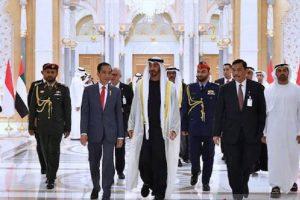 Presiden Jokowi disambut oleh Putra Mahkota UEA Mohamed Bin Zayed di Istana Qasr Al Watan, Abu Dhabi, Minggu