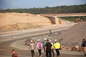 Mendagri Dampingi Presiden Tinjau Tol Pertama di Aceh