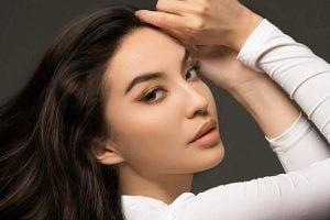 Model cantik Manohara Odelia Pinot.