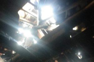Atap rumah bagian kamar tidur dan ruang dapur milik Ibu Oting  ambruk.