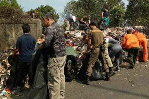Strategi Penanganan Sampah Warga di Kecamatan Cisarua