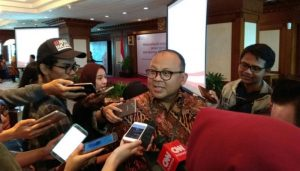 Deputi Komisioner Hubungan Masyarakat dan Logistik OJK Anto Prabowo