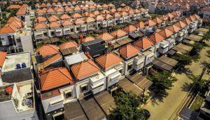 Foto udara perumahan di kawasan Riung Bandung, Kota Bandung, Jawa Barat,
