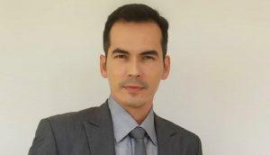 Shalat Jum'at di Tengah Wabah, Atalarik Syah Banjir Kritik