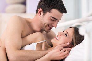 Suami Istri Cari Waktu Antara Tarawih hingga Sahur,,