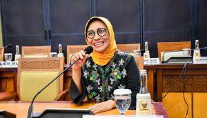 Wakil Ketua Komisi X DPR RI Hetifah Sjaifudian ,