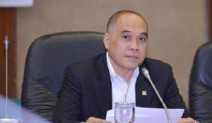 Anggota Komisi XI DPR RI Heri Gunawan….
