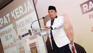 Ketua Fraksi PKS Jazuli Juwaini ..
