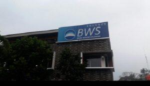 PT Bank Woori Saudara Indonesia 1906 Tbk (SDRA) bagikan dividen tunai Rp13 per saham..